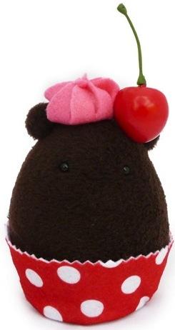 Cherry_chocolate_cupcake-vey-a_little_stranger-cavey-self-produced-trampt-102464m