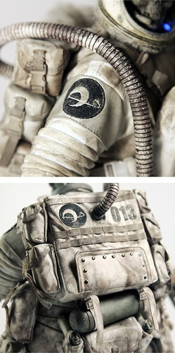Dead_astronaut_gangsta-ashley_wood-dead_astronaut_gangsta-threea_3a-trampt-103001m