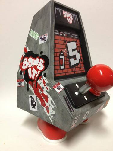 Bomb_it-shez-soopa_coin-up_bros-trampt-103222m