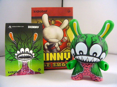 Untitled-ardabus_rubber-dunny-kidrobot-trampt-103998m