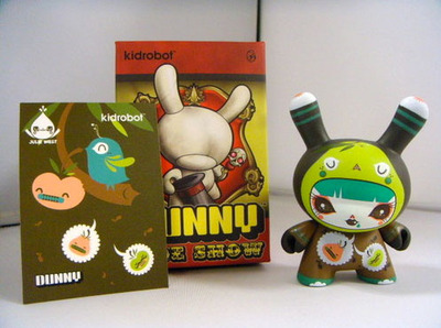 Worlds_sweetest_lady-julie_west-dunny-kidrobot-trampt-104006m