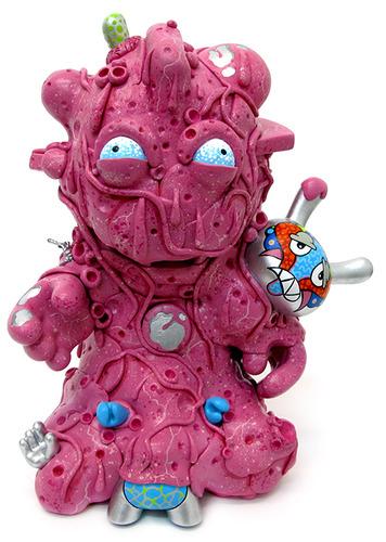 Kid_blob-sekure_d-kidrobot_mascot-trampt-107476m
