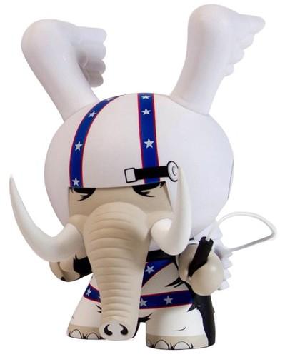 Locodonta_-_8inch-jon-paul_kaiser-dunny-kidrobot-trampt-107799m