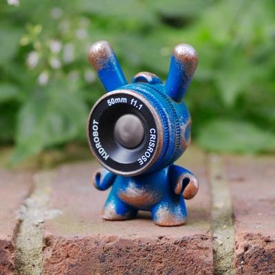 Blue_vinyl_observation_drones-cris_rose-dunny-trampt-108097m
