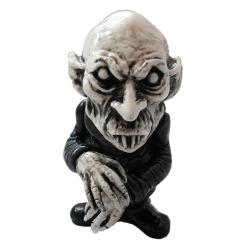 Nosferatu-we_become_monsters_chris_moore-kirk_von_hammett_toys_nosferatu-self-produced-trampt-108323m