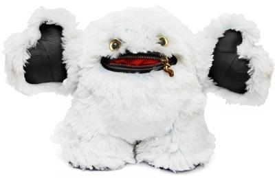 Faux_fur_hug-blamo_toys-hug-blamo_toys-trampt-109061m