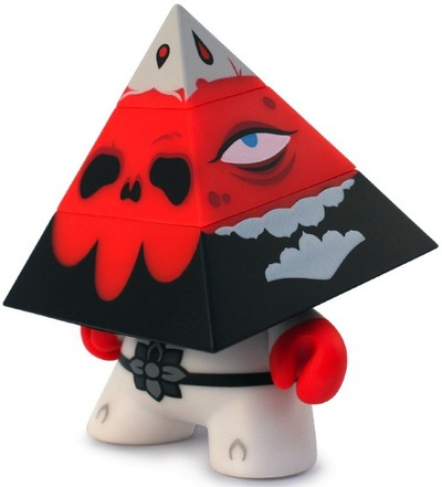 Pyramidun_dunny_-_red_edition-andrew_bell-dunny-kidrobot-trampt-112316m