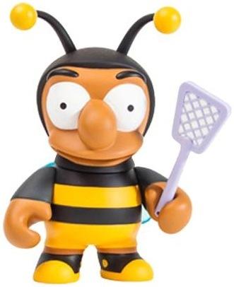Bumblebee_man_-_6-matt_groening-simpsons-kidrobot-trampt-114025m