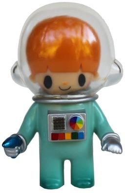 Astronaut_-_green-itokin_park-astronaut-self-produced-trampt-116146m