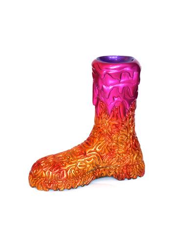 Boot_brain_violet__orange_gold-carlos_enrique_gonzalez-fiberglass-trampt-117077m