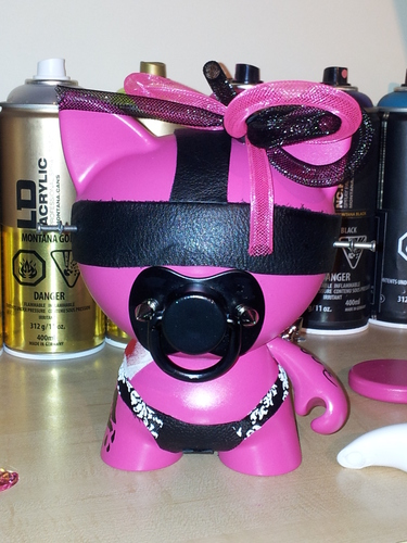 Hello_kinky_kitty-industrial_violence_customs-trikky-self-produced-trampt-117995m
