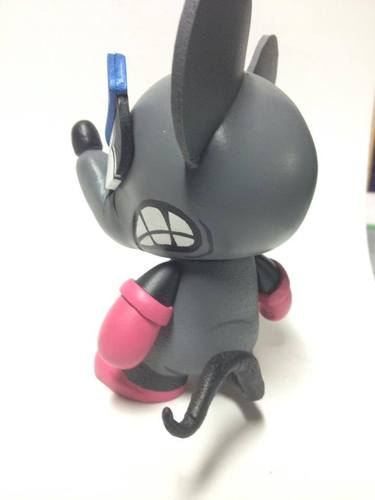 Mouser-shez-munny-trampt-118318m