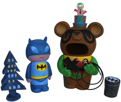 Batman_guitar_bear_mascot-amanda_visell_itokin_park-guitar_bear_mascot-switcheroo-trampt-118352m