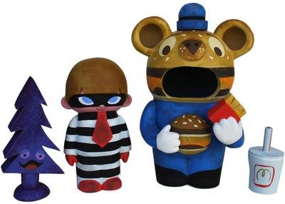 Big_mac_guitar_bear_mascot-amanda_visell_itokin_park-guitar_bear_mascot-switcheroo-trampt-118353m