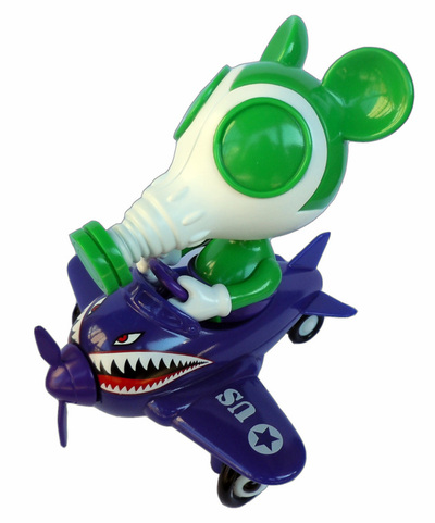 Mousemask_murphy_in_airplane_supervillain-ron_english-mousemask_murphy_in_airplane-blackbook_toy-trampt-118642m