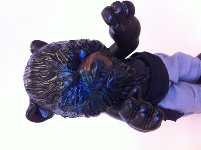 Black_and_blue_bear-goreilla-yo-trampt-119187m