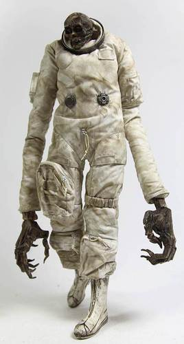 Commander_astronaut_night_shade_strigoi-ashley_wood-strigoi-threea_3a-trampt-119778m
