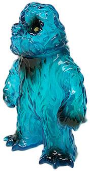 Standing_hedoran_clear_blue_with_spray-gargamel_kiyoka_ikeda-mini_hedoran-gargamel-trampt-119833m