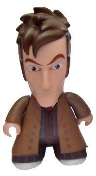 10th_doctor_-_brown_suit_chase-lunartik_matt_jones-titans-titan_merchandise-trampt-122811m