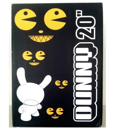 Pacman_black_-_20-dalek_james_marshall-dunny-kidrobot-trampt-123451m