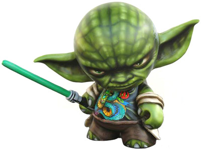 Yoda_strikes_back-rask_opticon-munny-trampt-124161m