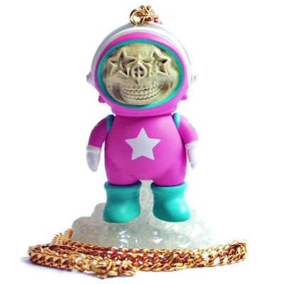 Dum_english_astronaut_skull_star_necklace_-_pink-chris_brown_ron_english-dum_english-made_by_monster-trampt-124191m