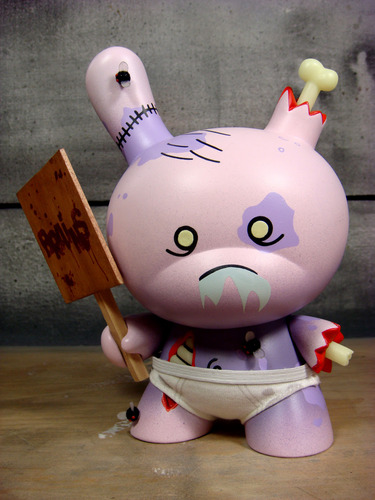The_purple_zombie-huck_gee-dunny-trampt-124305m