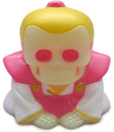 Honesuke_-_nycc_skull_toys_gidpink-mori_katsura_skulltoys-honesuke-realxhead-trampt-125127m