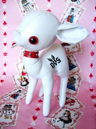 Skull_jun-noriya_takeyama-bad_taste_mascot-art_storm-trampt-125623m