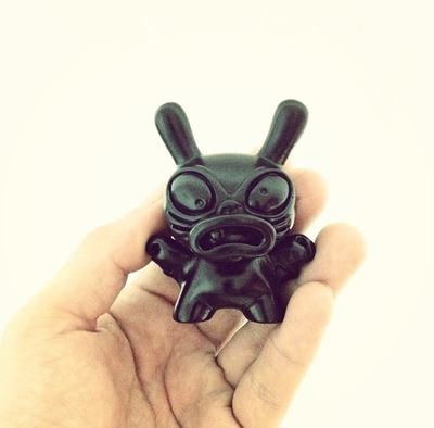 Baby_greasebat_og_black-chauskoskis-dunny-trampt-126099m