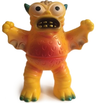 Mini_greasebat_-_yellow_painted_standing-jeff_lamm-mini_greasebat-monster_worship-trampt-126633m
