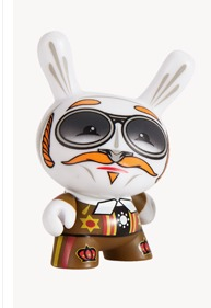 Pilot_and_frankthefishs_hand-scribe-dunny-kidrobot-trampt-127777m