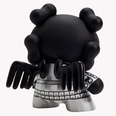 Skullhead_-_black-huck_gee-dunny-kidrobot-trampt-128233m