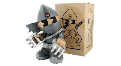 Haiiro_ninja_-_kidrobot_14-huck_gee-kidrobot_mascot-kidrobot-trampt-128683m
