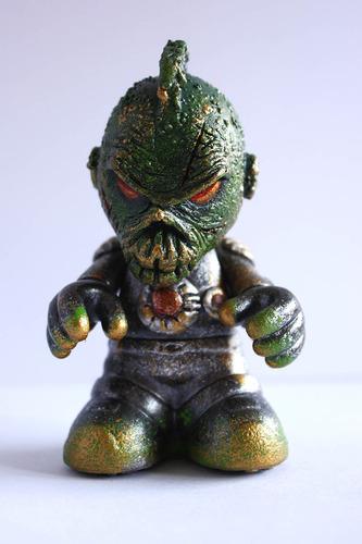 Alien_x_leader-don_p_patrick_lippe-bots-trampt-128859m