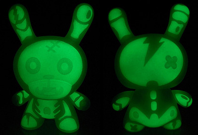 Zombie_pet_glow_dunny_gid_-_8-patricio_oliver_po-dunny-kidrobot-trampt-128968m