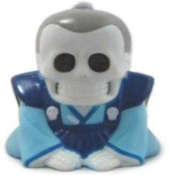 Honesuke_-_bluegrey-mori_katsura_skulltoys-honesuke-realxhead-trampt-129079m