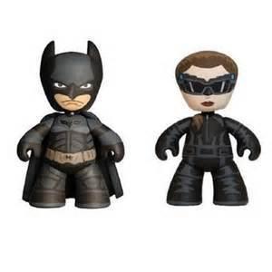 The_dark_knight_rises_batman_and_catwoman-dc_comics-mez-itz-mezco_toyz-trampt-129775m