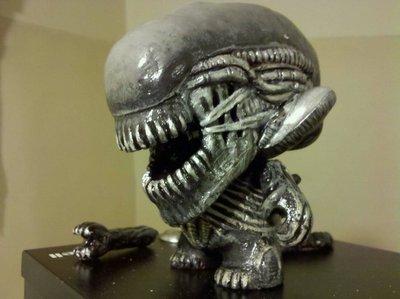 Alien-jeff_lambert_jeffseyeball-munny-trampt-130743m