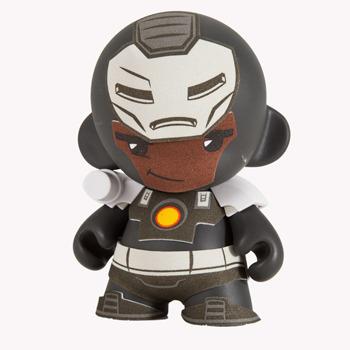 Marvel_mini_munny_war_machine-marvel-munny-kidrobot-trampt-131215m