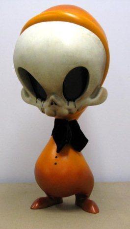Mega_skelve_-_orange-brandt_peters_kathie_olivas-mega_skelve-trampt-131260m