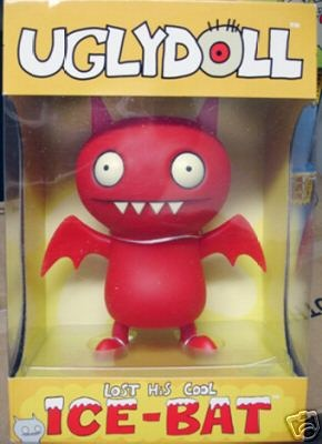 Ice-bat_red-david_horvath-uglydoll-critterbox-trampt-133400m