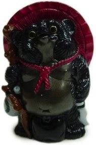 Mini_tanuki_-_black__red_hat-mori_katsura-mini_tanuki-realxhead-trampt-133451m