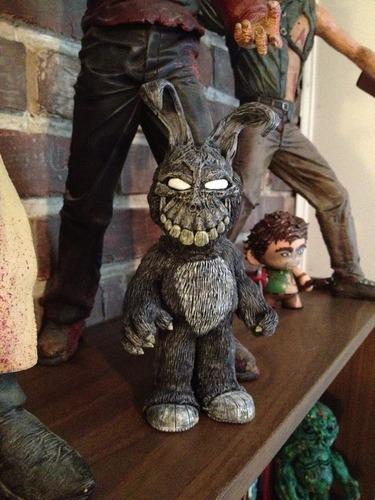 Frank_the_bunny-nick_berrett-yo-trampt-133674m