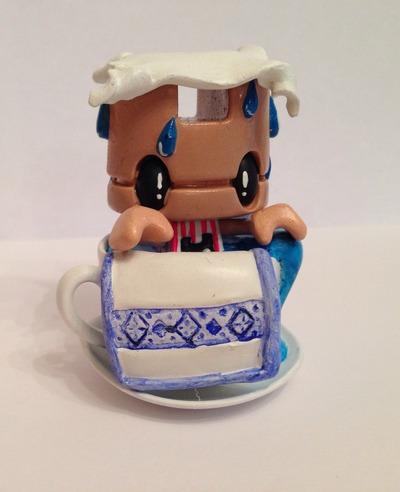 Humidi-tea-stoocol-lunartik_in_a_cup_of_tea-lunartik_ltd-trampt-134129m