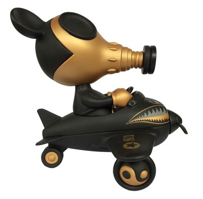 Mousemask_murpy_in_airplane_-_super_black-ron_english-mousemask_murpy_in_airplane-blackbook_toy-trampt-134451m