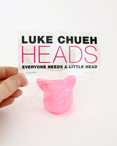 Everyone_needs_a_little_head_pink_edition-luke_chueh-decapitated_possessed_head-trampt-136675m