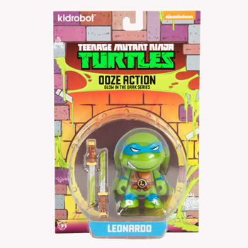Tmnt_ooze_action_glow_in_the_dark_leonardo-viacom-teenage_mutant_ninja_turtle-kidrobot-trampt-137066m