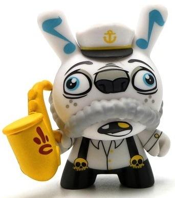 Saxophone_sailor_costume-scribe-dunny-kidrobot-trampt-139105m