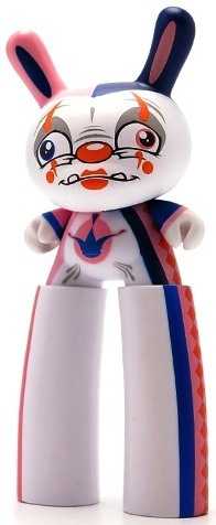 Stilts_costume_bluepink-scribe-dunny-kidrobot-trampt-139111m